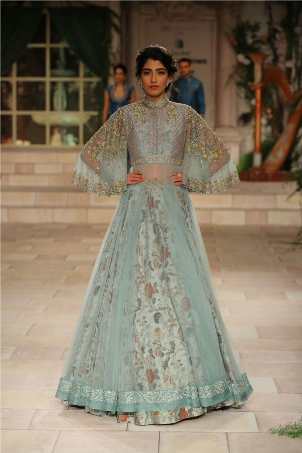 A MAIDEN'S PRAYER Showcased by Designer Anju Modi at India Couture Week %2818%29