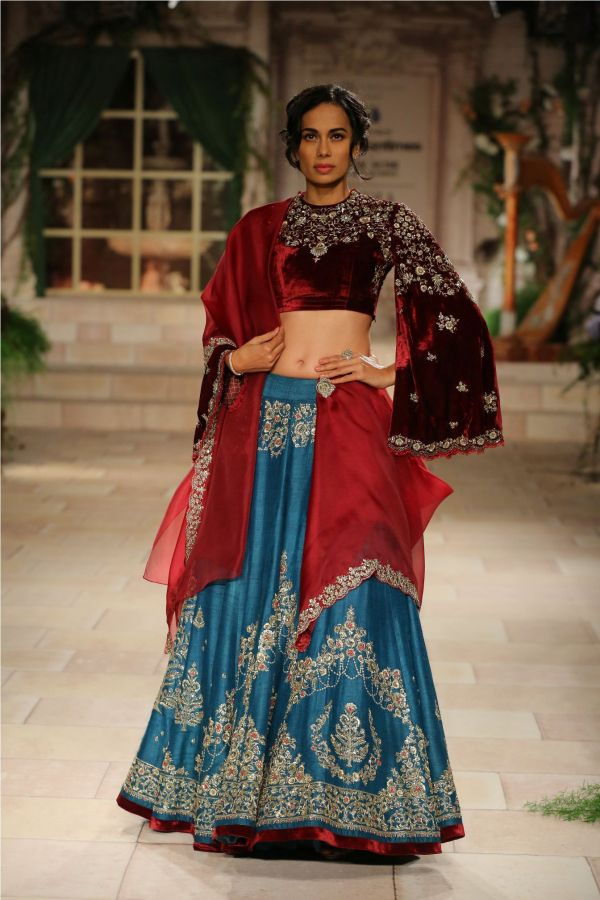 A MAIDEN'S PRAYER Showcased by Designer Anju Modi at India Couture Week %2833%29