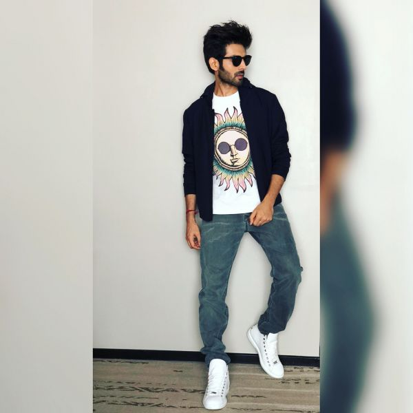 1 bollywood hero - kartik aaryan