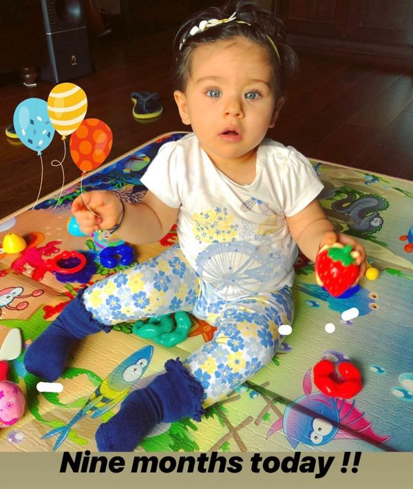 4 inaaya kemmu - playing with toys