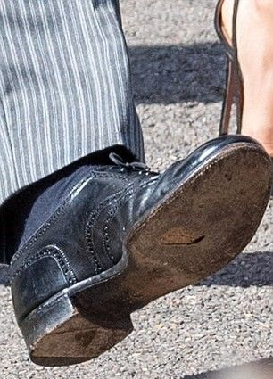 prince harry wedding hole in shoe 2.