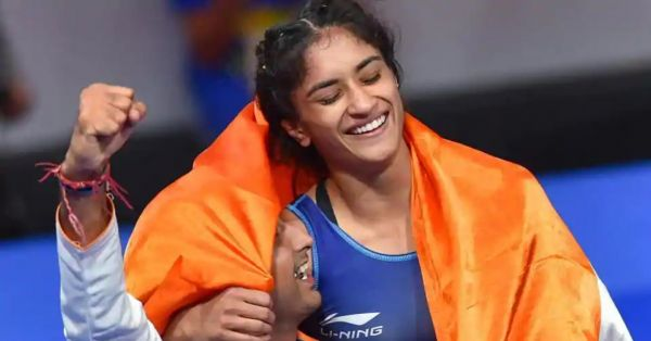 Vinesh phogat celebrating her victory in asian games 2018