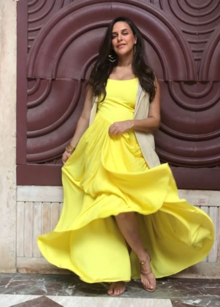 neha dhupia yellow dress 2.