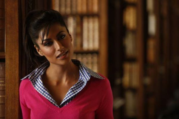 8 bollywood teachers - chitrangada singh desi boyz