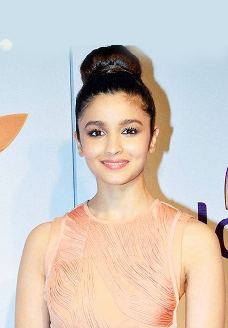 latest-indian-wedding-hairstyle-for-guest-actress-alia-bhatt-top-bun-wedding-wear