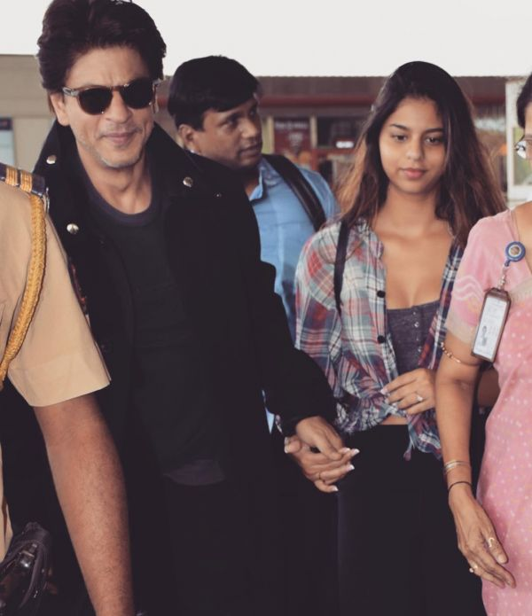 2 suhana khan - with shah rukh khan at airport