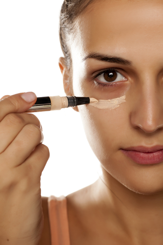 How To Reduce Dark Circles - conceal your dark circles