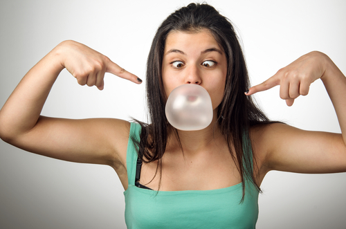 2-how-to-reduce-face-fat-chew-sugar-free-gum