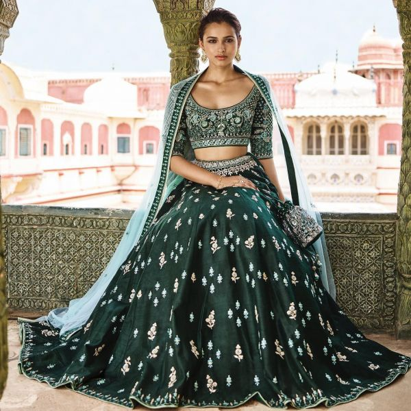 indian-wedding-dress-guide-anita-dongre-dark-green-lehenga