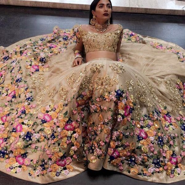indian-wedding-dress-guide-neeta-lulla-floral-lehenga