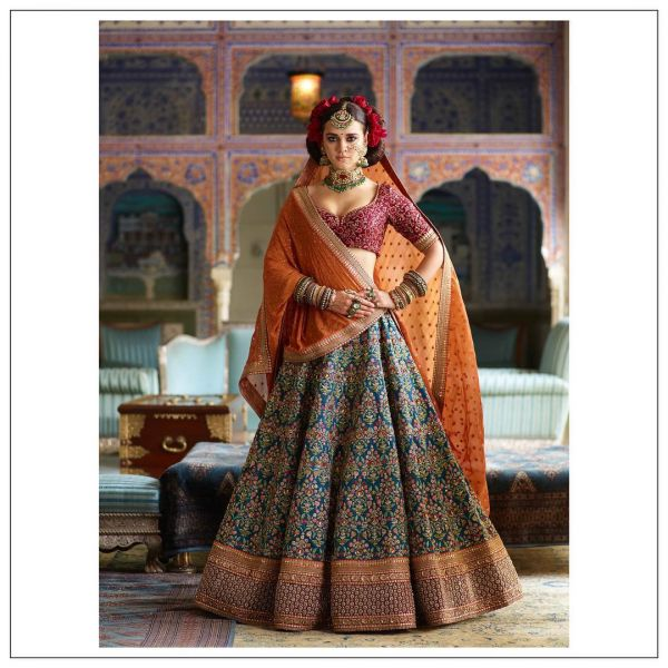 indian-wedding-dress-guide-sabyasachi-blue-lehenga