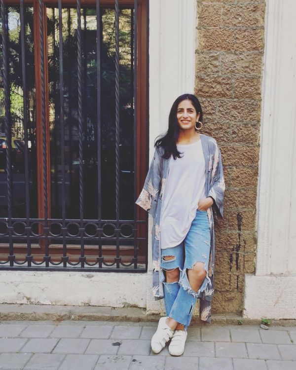 keerti kataria distressed jeans  stylish girls on instagram not bloggers