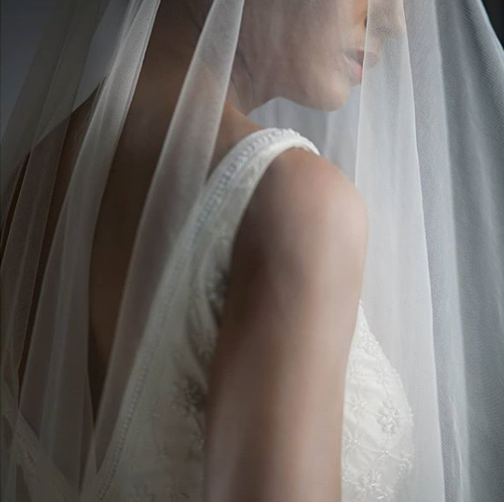 Anita-Dogre-white-wedding-gown-collection-veil