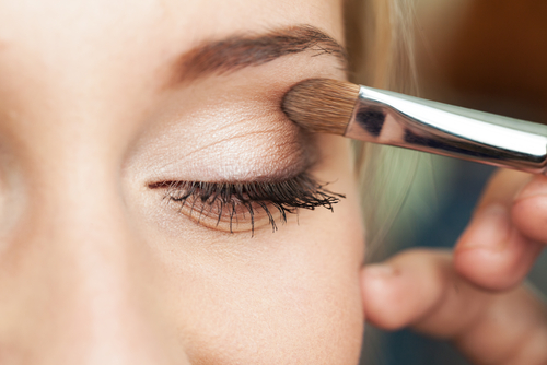 Eye makeup tips for applying eye shadow and eye makeup tips for beginners