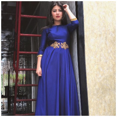 Navratri-fashion-aditi-bhatia-long-dress-look