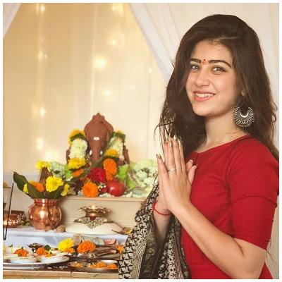Navratri-fashion-aditi-bhatia-suit-look