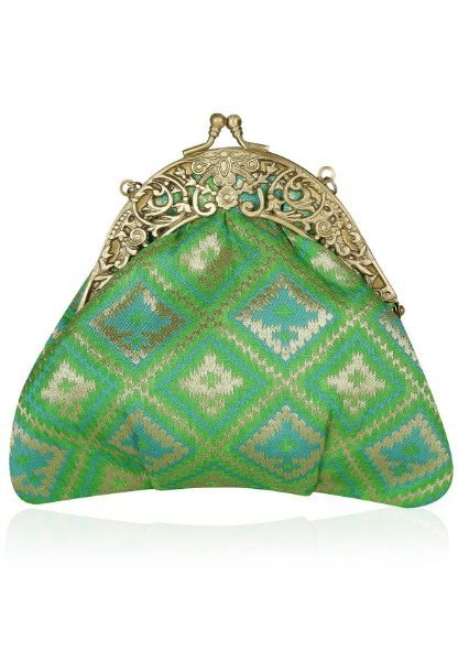 9-praccessorii-green-clutch-for-diwali
