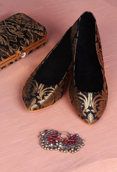 6-ethnic-shoes-Black-Pointed-Toe-Brocade-Ballerina-Flats