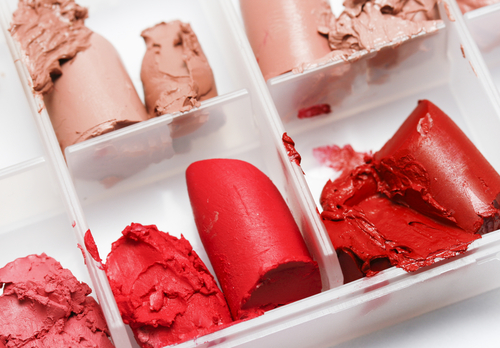 Fix broken lipstick  lipstick hacks  makeup products  broken lipsticks in a small container