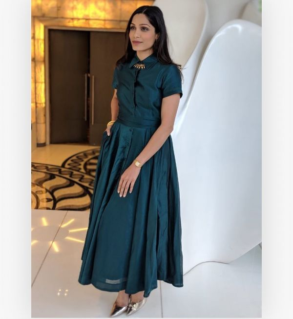 freida-pinto-teal-colours-that-look-good-on-everyone