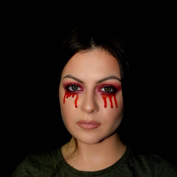 easy halloween makeup looks bleeding eyes makeup