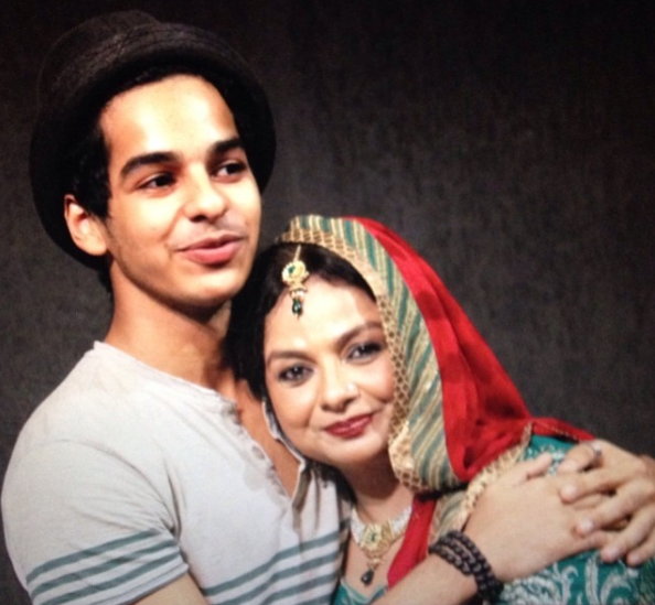1-Ishaan-Khattar-birthday-hugging-mother