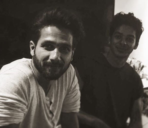 2-Ishaan-Khattar-birthday-with-shahid