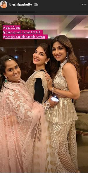Sushmita Sen And Rohman Shawl At Shilpa Shetty's Diwali Bash- shilpa with jacqueline and Arpita