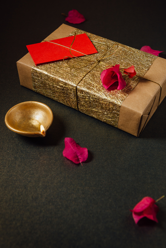 4-diwali-ideas-paper-wrapping