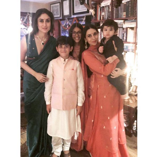 2-family-kareena-kapoor-green-saree-diwali