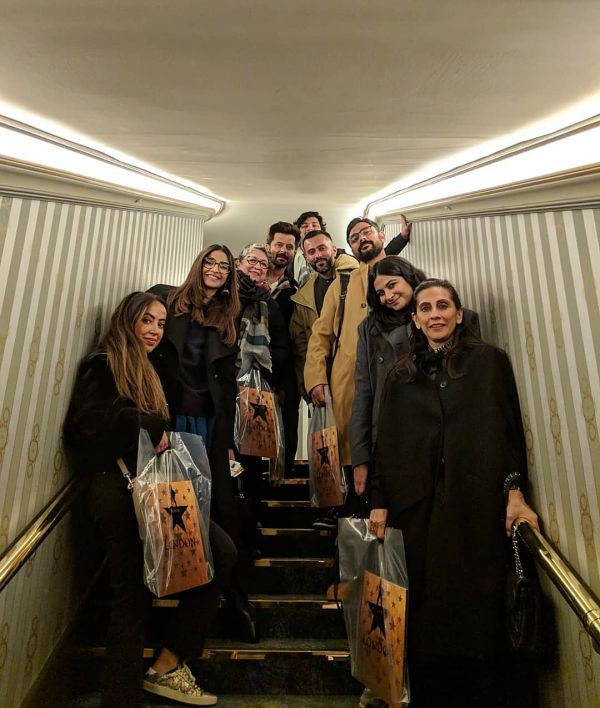 5-kapoor-family-in-london-family-together-going-out