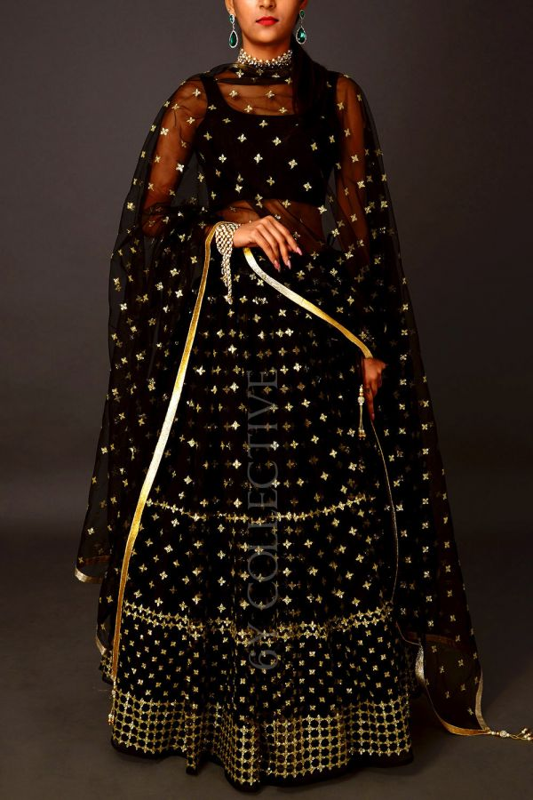 6ycollective-lehenga-bollywood-black-festive-Indian-outfits
