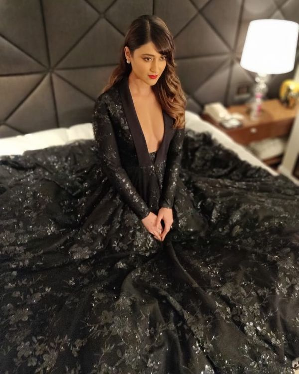 ileana-dsouza-cocktail-coord-bollywood-black-festive-Indian-outfits