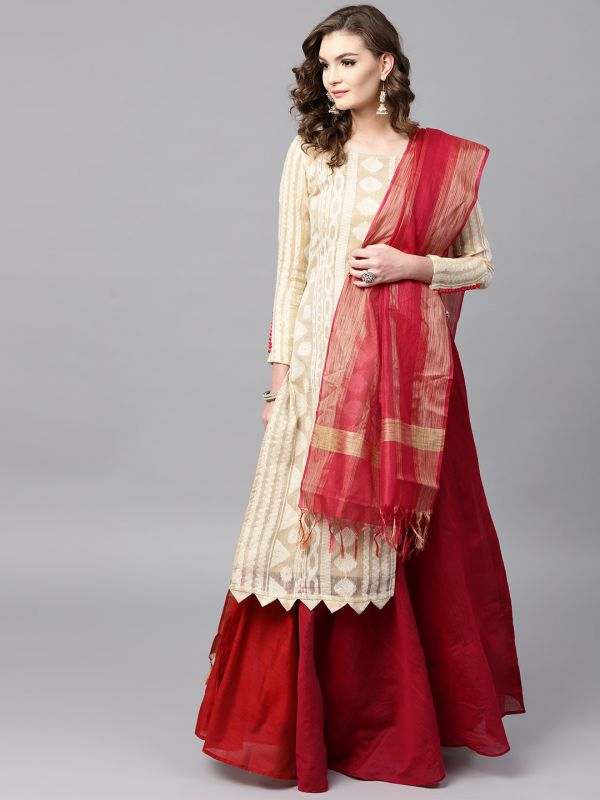 inddus-white-red-suit-lehenga-what-to-wear-for-first-lohri-after-wedding