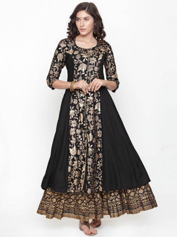 varanga-black-gold-kurta-lehenga-what-to-wear-for-first-lohri-after-wedding