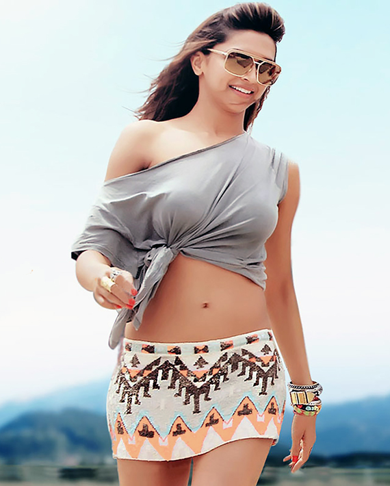 4-deepika-padukone-cocktail-skirt-top-set-tumhi-ho-bandhu