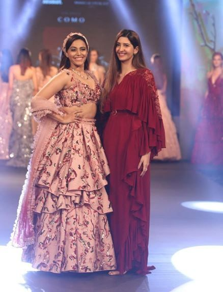 7-swara-bhasker-ohaila-khan-goa-fashion-week