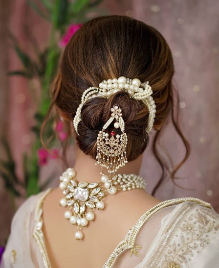 hairstyles-for-reception-low-bun