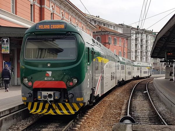 5-POPxo-guide-to-lake-como-arrive-by-rail