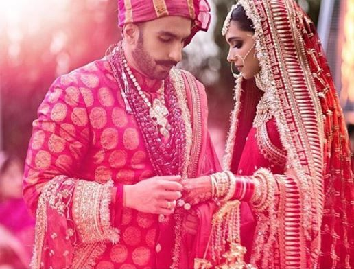 2-DeepVeer-Eco-Friendly-Reception-ring-exchange