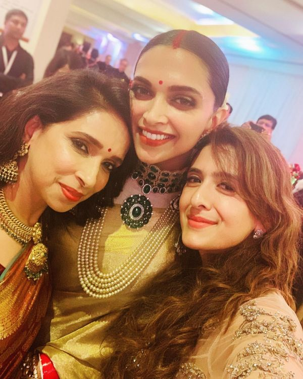 6-deepika-padukone-ujjala-padukone-reception-wedding