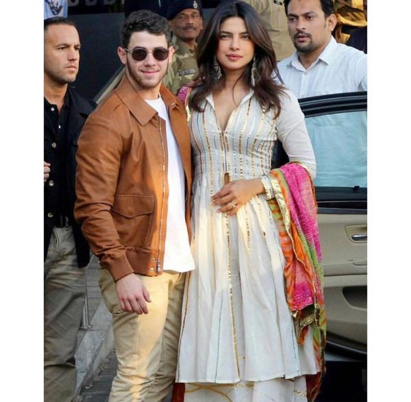 2-nick-priyanka-leaving-for-jodhpur-wedding-desi-girl