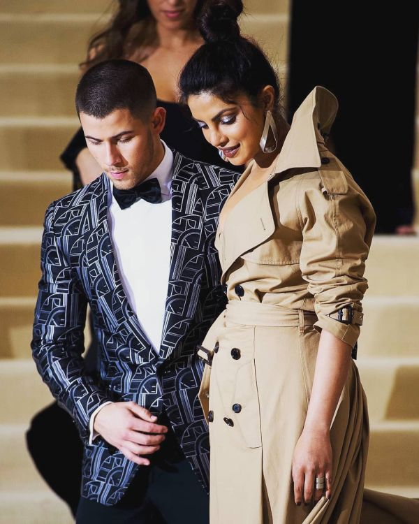 2-nickyanka-priyanka-only-star-ralph-designed-wedding-dress-for