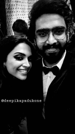 4- All-The-Moments-You-Wouldn't-Want-To-Miss-From-Deepveer's-Bollywood-Reception