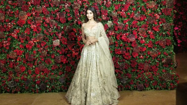 Bollywood celebs at deepveer reception - pooja hegde