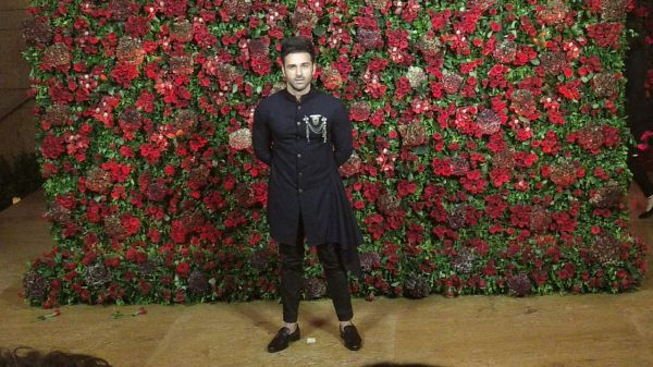 Bollywood celebs at deepveer reception - pulkit samrat