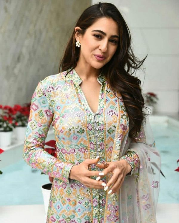 2-sara-ali-khan-latest-pic