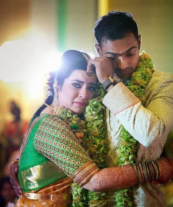 best-shaadi-moments-2018-groom-bride-crying