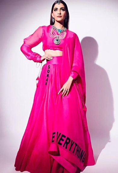 1-Sonam-K-Ahuja-Has-Just-Redefined-Pink