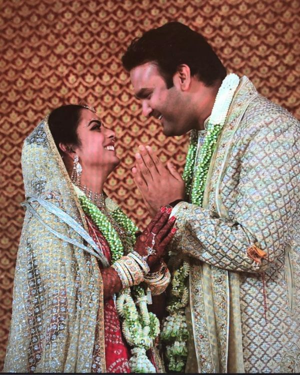 1 Isha ambani wedding - isha and anand